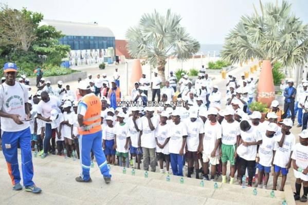 (26 photos) Randonnée pédestre de l'ONAS: Sensibilisation sur la sauvegarde des ouvrages d'assainissement