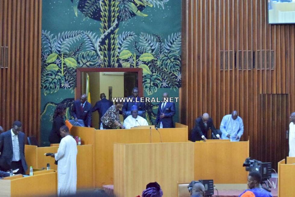 (Photos) En direct de l'Assemblée nationale pour la levée de l'immunité parlementaire du député-maire Khalifa Sall