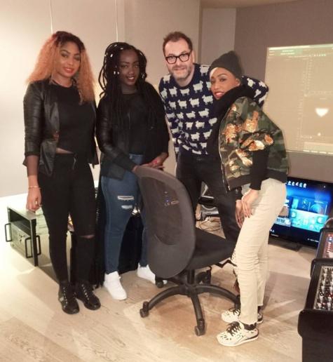 Photos: Le groupe Safary à Paris avec Sidiki Diabate, pour préparer un nouveau maxi