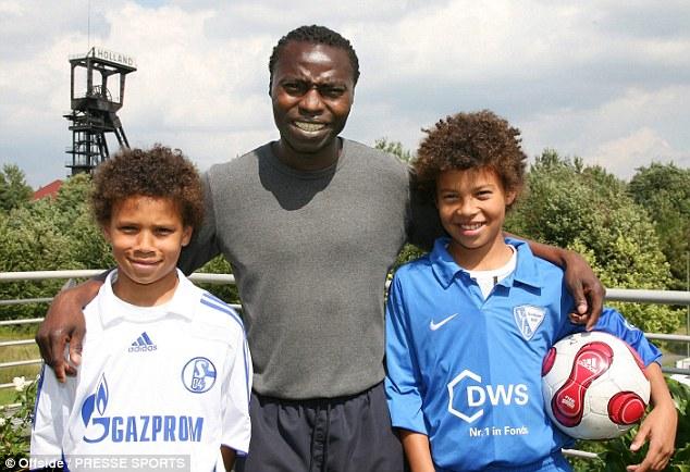 Souleymane Sané avec sa femme et ses enfants Leroy, Regina et Sidy