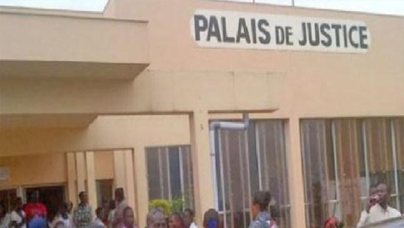 Tribunal de Diourbel : Le fugitif, âgé de 19 ans, est un voleur de téléphones