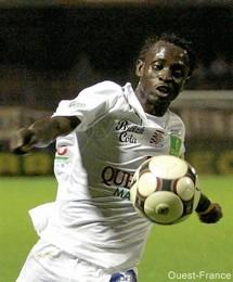 Le Sénégalais Basile de Carvalho indésirable par les supporters de Strasbourg