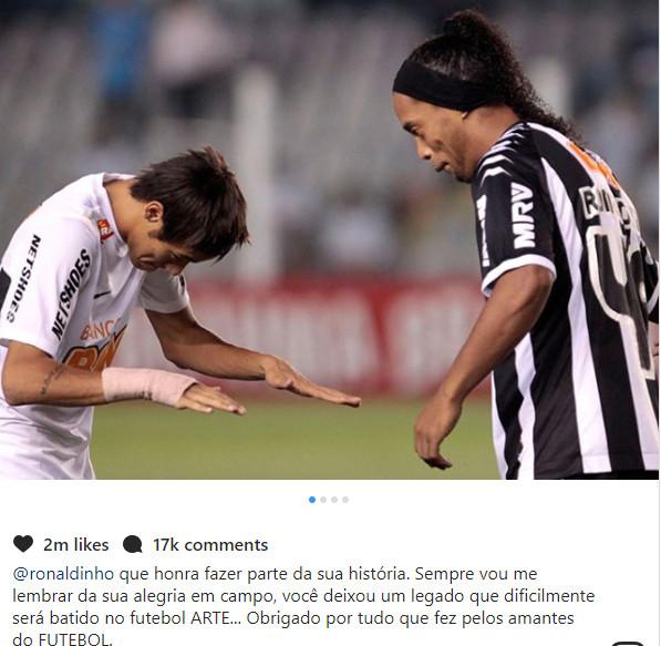 Neymar rend hommage à Ronaldinho
