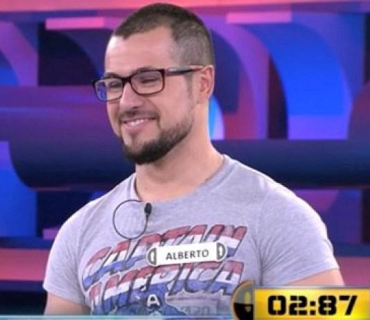 Il perd à un jeu télévisé, alors que la réponse était sur son t-shirt !