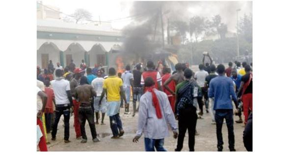 URGENT - Manifestations de pêcheurs à Saint-Louis : des cantines maures vandalisées, d'autres brûlées ( photos )