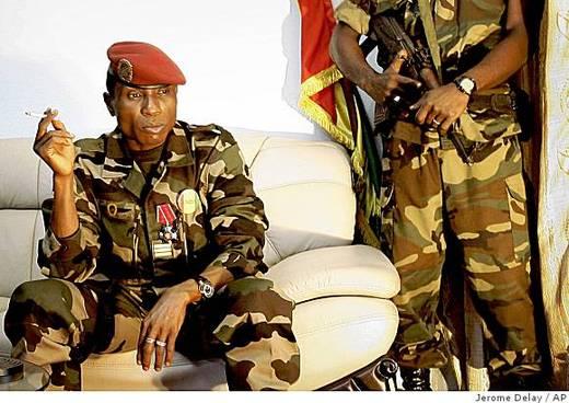 Guinée : des proches de Dadis Camara arrêtés
