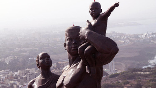 La coûteuse et contestée statue imposée aux Sénégalais : Inaugurée en présence de présidents africains francs-maçons, Wade réussit sa mission