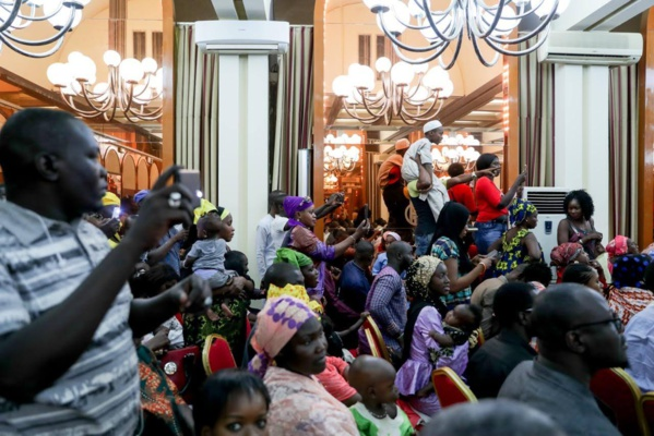 Photos: Le Président Macky SALL à la rencontre de la communauté sénégalaise à Niamey