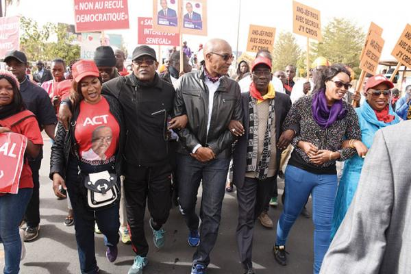 Grande marche de l'opposition, les réactions des leaders