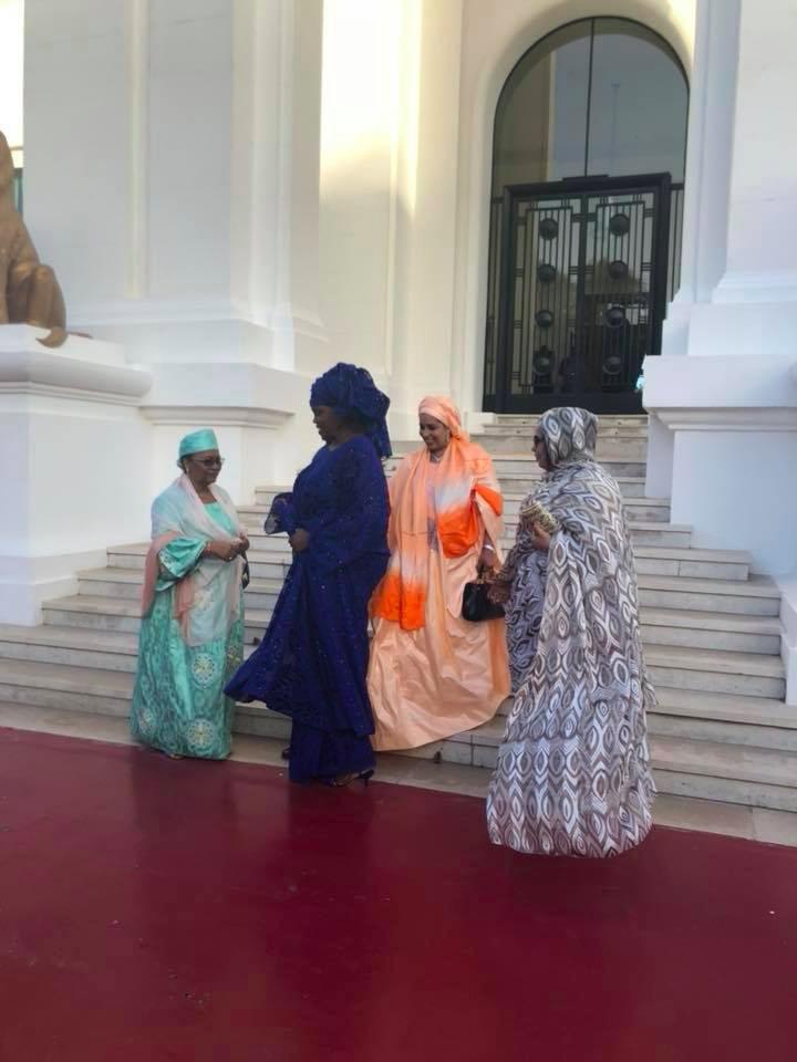 6 photos : Marième Faye Sall éblouissante en bleu saphir à son dîner, fi todjna...
