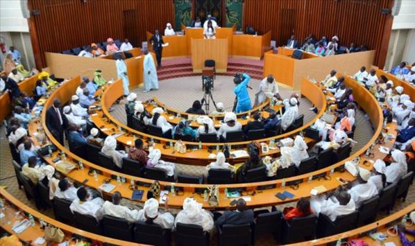 Quand invectives, insultes et invites à la bagarre règnent à l'Assemblée nationale