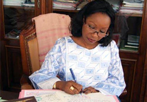 Données personnelles:  Après le feu vert du Premier ministre, Mme Awa Ndiaye  livre Snxxxx…porno à l'Artp