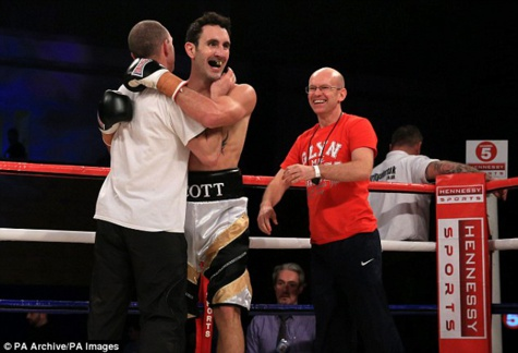 Le boxeur britannique Scott Westgarth, âgé de 31 ans, est décédé ce lundi des suites d'un combat
