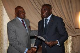 """En visite en Côte d'Ivoire pour la sortie de crise : Abdoulaye Wade aux journalistes: """"Je ne suis pas venu faire de la médiation"""""""