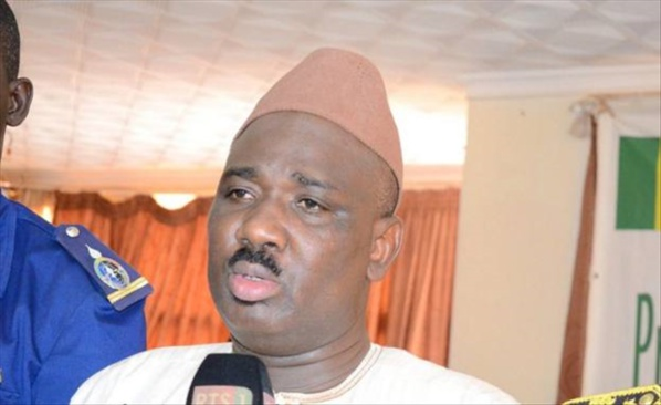 "Farba Ngom, ""Macky Sall doit limoger Me Alioune Badara Cissé"""
