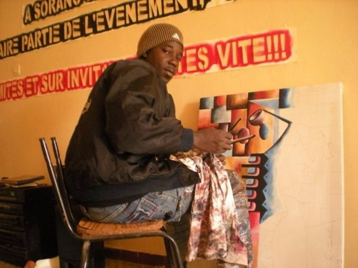 Portrait : Pha Thiello , Artiste peintre sénégalais à Dakar