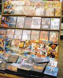 [DOSSIER] DAKAR, A L'HEURE DE LA PORNOGRAPHIE - Reportage : Les bonnes affaires des vendeurs de films pornos