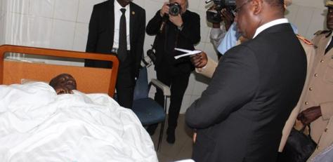 Photos : Macky Sall à l'hôpital Principal au chevet des 11 blessés du crash d'hélicoptère