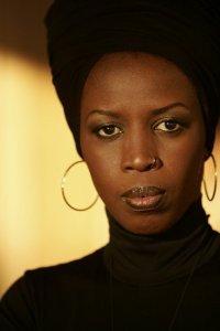 Prise en Otage à Lomé, Mame Faguèye joint au téléphone Viviane Wade... son mari refuse