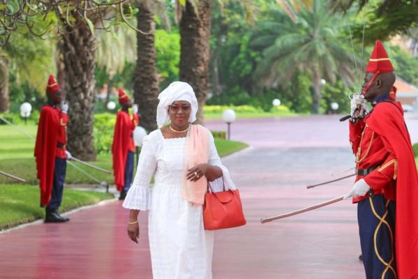"""La ministre Ndèye Ramatoulaye Guèye Diop brise le silence : """" j'ai perdu mon fils unique dans des conditions dramatiques. Je sais ce que ressent cette mère »"""