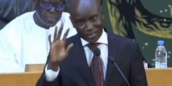 Sécurité publique:  Aly Ngouille Ndiaye annonce le recrutement de 3000 policiers et gendarmes en 2018