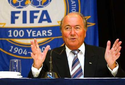 """Joseph Blatter: """"l'Afrique peut être fière"""""""
