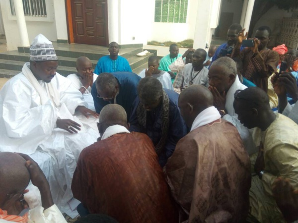 Le Khalife général des Mourides Serigne Mountakha Mbacké a reçu les 86 représentants de Keur Serigne Touba au Sénégal.