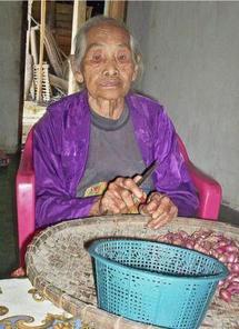 Turinah a une fille adoptive de 108 ans.