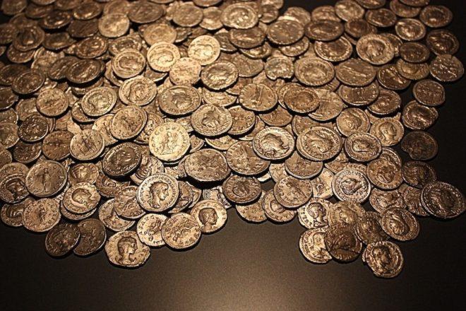 Un trésor de pièces romaines (illustration)Rabenspiegel / Pixabay