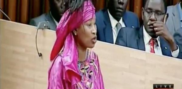 Assemblée Nationale: Aïssata Tall Sall demande l'ajournement des travaux