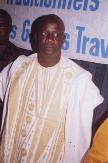AMADOU NIANG, COMMUNICATEUR TRADITIONNEL : Le communicateur traditionnel peut ne pas être griot