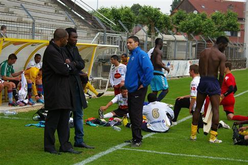 Une première expérience sur le banc de touche pour Aliou Cissé… Photo E.P.