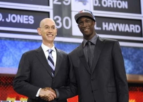 Le Senegalais Pape Sy (22 ans) a été drafté au deuxième tour (53eme choix) par les Atlanta Hawks (NBA).