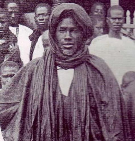 Centenaire des Tirailleurs sénégalais : Mame Fallou Fall, fils aîné de Mame Cheikh Ibrahima Fall, célébré à l'Arc de Triomphe le 08 mai