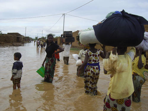 GESTION DES INONDATIONS : 2.300 familles seront déplacées vers des zones habitables.