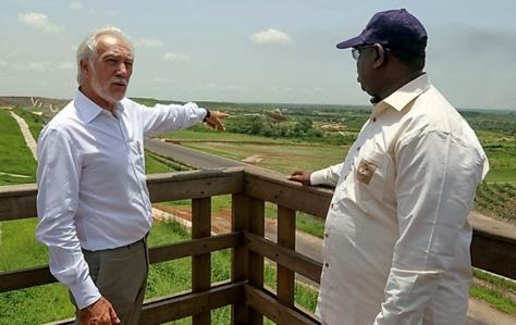 Autoroute à péage: Macky Sall demande la révision du contrat de concession