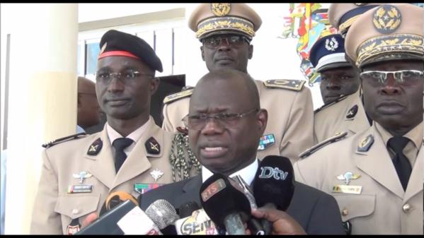 Le ministre des Forces armées lave ses hommes: « ce sont les étudiants qui ont attaqué les gendarmes »