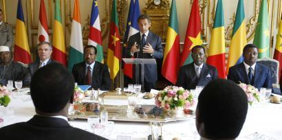 Nicolas Sarkozy aligne les pensions des anciens combattants des ex-colonies