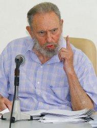 Après quatre ans, Fidel Castro revient et annonce la fin du monde