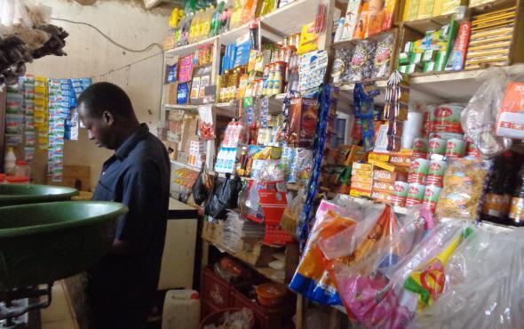 Sénégal: les petits commerces face à la grande distribution