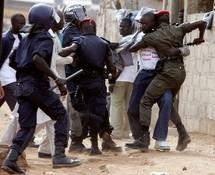 SA COPINE ARRETEE PAR LA POLICE : Jean-Marc y va pour la libérer de force