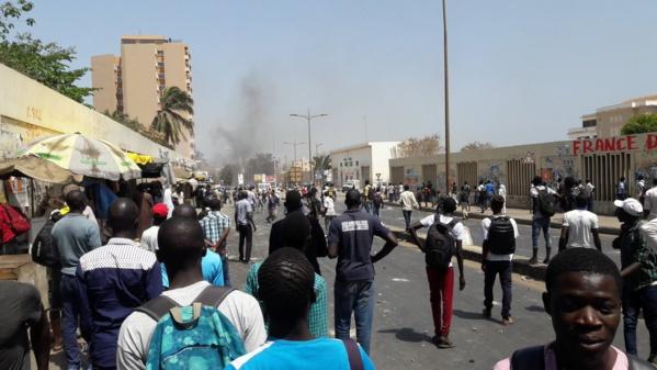 UCAD: les étudiants décrètent une grève illimitée et annoncent un sit-in sur l'avenue Cheikh Anta Diop