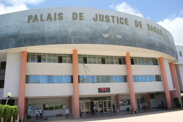 Procès des audiences fictives de la Cour d'appel