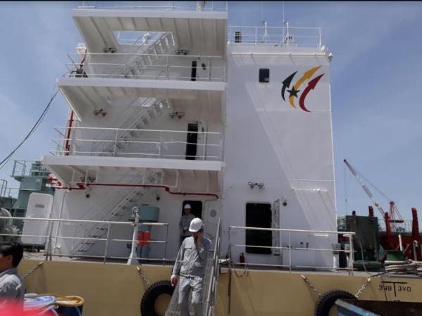 Corée du Sud : le Ministre Oumar Guèye a présidé la cérémonie de mise à l'eau de la barge «LAGA NDONG»