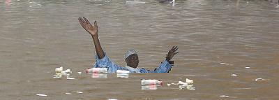 LES SOLUTIONS DU GOUVERNEMENT À COURT, MOYEN ET LONG TERME : Maisons préfabriquées, pompage et 300 milliards pour éradiquer les inondations