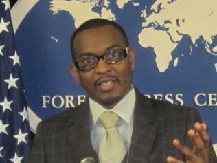[Audio] Baba Aïdara - Africa confidential (Un journal basé en Angleterre) jette un regard critique sur le Président Wade.