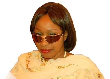 """Awa Ndiaye, ministre d'Etat : """"Nous allons élire Wade et il passera le pouvoir à Karim..."""" (Audio)"""