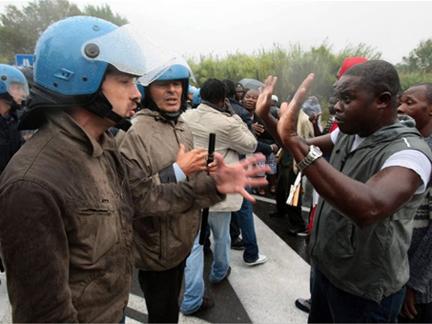 Abdoul  Malal Diop acien ministre  des sénégalais de l'extérieur : «les émigrés sont des ignorants».