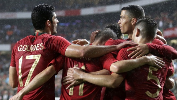 Mondial 2018: l'Angleterre sans forcer face au Costa Rica, le Portugal déroule contre l'Algérie