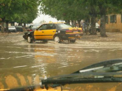 Dakar: Après la pluie, le beau temps chez les mécaniciens